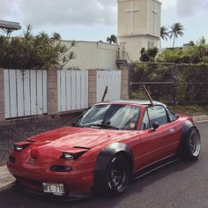 More from #hawaii @yosukeabe www.TopMiata.com | #TopMiata #mazda #miata #mx5 #eunos #roadster Mazda Mx 5, Mazda Cars, Mazda Miata, Jdm Cars, Tuner Cars, Miata Mods, Mazda Roadster, Street Racing Cars, Nissan Gt R