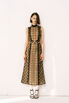 Alessandra Rich Fall 2015 Ready-to-Wear Collection Photos - Vogue Runway Fashion, Fashion Show, Fashion Outfits, Fashion Design, Vogue Paris, Mannequins, Catwalks, Trendy Outfits, Designer Dresses