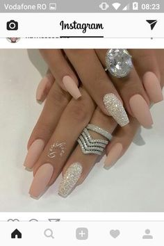 Nail - Hey fashioners, bling nails are definitely beautiful to behold! - - Hey fashioners, bling nails are definitely beautiful to behold! But how do you attain them? Well, painting your nails with a glitter polish can give t. Matte Nail Art, Cute Acrylic Nails, Silver Acrylic Nails, Matte Nail Designs, Matte Pink Nails, Acrylic Nails For Spring, Silver And Pink Nails, White Gold Nails, Pink Sparkle Nails