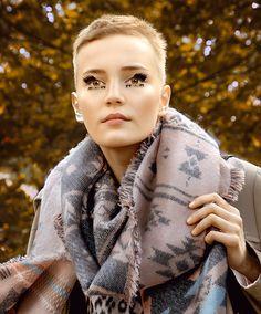 #LinaHoss at #LouisVuitton #pfw #ss2016 #Model #Beauty Ffashion