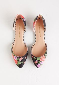Pretty Promenade Flat. You'd rather take the scenic route, for it means more time to parade around in these fabric-covered flats! #black #modcloth $29.99