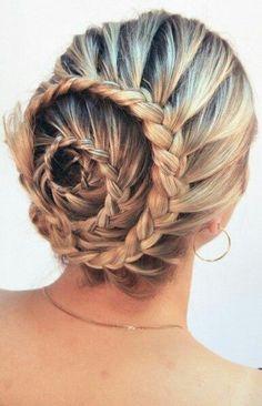 Spiral lace braid. Cool #hair