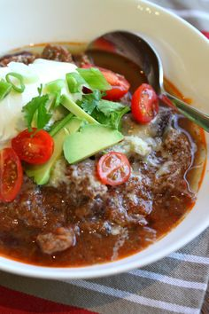 Mexican Slow Cooked Beef Chilli, thermomix Making this right now…smells amazing! Slow Cooked Chilli, Slow Cooked Meals, Crock Pot Slow Cooker, Slow Cooker Recipes, Paleo Recipes, Mexican Food Recipes, Crockpot Recipes, Cooking Recipes, Thermomix Recipes Healthy