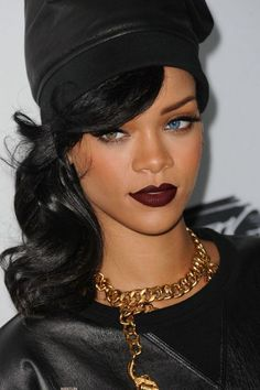 her makeup is simple yet bold- she is killing them all. :) (anyone catch the photoshopped blue eye?)