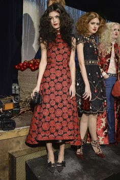 Alice + Olivia at New York Fall 2014. Strike a pose for a rose...or for a whole garden of striking roses!