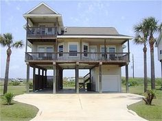 Beautiful Spacious Affordable Home in Desirable Pirates Beach