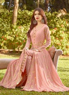 Peach Vibes Golden Embroidered Slit Style Anarkali Suit will indulge you to look more beautiful on this wedding season with its alluring beauty. Pakistani Fashion Party Wear, Indian Party Wear, Indian Fashion, Emo Fashion, Dress Indian Style, Indian Dresses, Indian Outfits, Simple Pakistani Dresses, Pakistani Dress Design