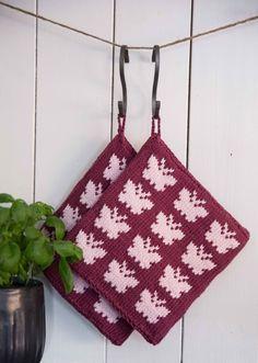 Kits pakke Grytekluter - Viking of Norway Fair Isle Knitting Patterns, Knitting Charts, Crochet Toys Patterns, Knitting Stitches, Stuffed Toys Patterns, Crochet Kitchen, Crochet Home, Knit Crochet, Knitting Projects