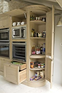Love the built-in pantry shelving and vegetable drawers!