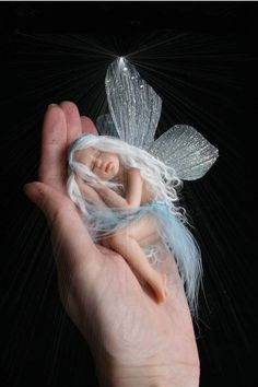 Christmas is a magical time of the year so my guest is Kara, The Fairy Maker who sculps unique fairies, angels,dragons & other mystical items presented in a jar Elfen Fantasy, Fantasy Art, Beautiful Fairies, Beautiful Dolls, Polymer Clay Fairy, Clay Fairies, Fairy Pictures, Fairy Figurines, Baby Fairy