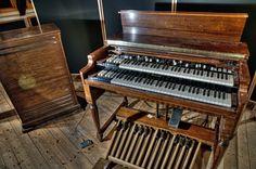 Hammond B3 with Leslie... for that ultimate doppler effect