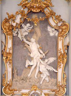 Cherub,Rococo,Gold,Golden,White,Art