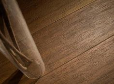 http://wisdompage.org/get-wood-look-porcelain-tile-to-feel-the-difference/