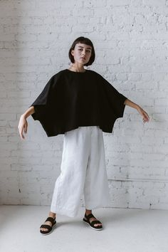 Super Wide Crop Top In Black Linen – Nettle Studios Quoi Porter, Fashion Outfits, Womens Fashion, Fashion Trends, Black Linen, Crop Tops, Linen Dresses, Minimal Fashion, Sewing Patterns Free