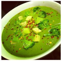 To make with the Nutribullet: creamy broccoli spinach avocado soup