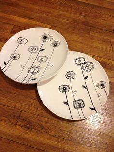 Hand Painted Pottery dinner plates to paint Sharpie Designs, Sharpie Projects, Sharpie Crafts, Sharpie Art, Sharpies, Clay Projects, Hand Painted Pottery, Painted Mugs, Painted Plates