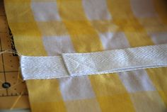 Tutorial: Sunburst Picnic Blanket – you and mie Picnic Mat, Picnic Blanket, Beach Towel Bag, Fat Quarter Quilt, Dresden Plate, Fat Quarters, Getting Organized, Quilt Patterns, Sewing Projects