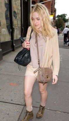 Dakota Fanning Fashion and Style - Dakota Fanning Dress, Clothes, Hairstyle - Page 17