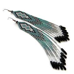 Купить Длинные серьги из бисера в сдержанных тонах - бохо серьги, длинные серьги, красивое украшение