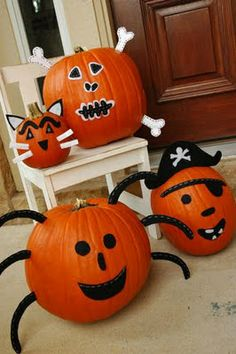 Pottery Barn knock-off pumpkins - Free pattern included - Makely School for Girls