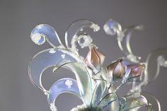 Брошь зимние узоры прозрачные с кристаллом Сваровски #зимниеузоры #winterpatterns #swarovski #glassdecoration #transparent #dipit #fantasy #fantasydecoration #brooch #pin #decoration2018 # dipflower #glassflower #kanzashi #jewelry #resin #epoxyresin #wire #crystalflora