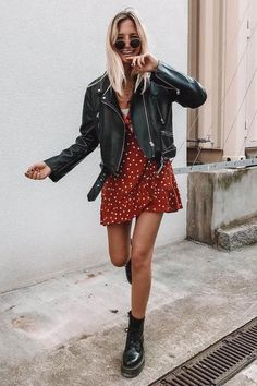 Spring outfit Leather jacket Dress Red dress Dr Martens Black boots Sunglasses Blonde girl Inspiration More on Fashionchick Source by sophieelkus dress outfits black girl Mode Outfits, Dress Outfits, Casual Outfits, Fashion Outfits, Womens Fashion, Wrap Dress Outfit, Fashion Clothes, Dress Fashion, Ibiza Outfits