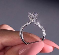 Ring Set, Ring Verlobung, Delicate Rings, Unique Rings, Glamouröse Outfits, Cute Engagement Rings, Beautiful Wedding Rings, Pretty Rings, Diamond Wedding Rings