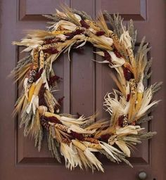 30 Fall Wreaths Ideas With Corn And Corn Husk for Door Wooden Pumpkin Crafts, Wooden Pumpkins, Fall Pumpkins, Indian Corn Wreath, Corn Husk Wreath, Outdoor Wreaths, Autumn Crafts, Wreath Crafts, Thanksgiving Decorations