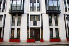 LSI Stone provided portuguese natural stone, Moleanos, for the cladding of the project. The magnificent building is located in London. Lincoln Square, Royal Court, Cladding, Portuguese, Natural Stones, Around The Worlds, Island, London, Mansions