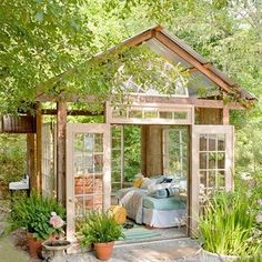 Outdoor living space...looks so cozy & relaxing