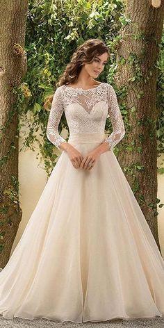 Chic Long Sleeved Wedding Dresses / http://www.himisspuff.com/long-sleeve-wedding-dresses/2/