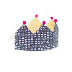 Double sided birthday crown in dark blue, yellow and red Japanese Flowers, Yellow Pattern, All The Way, Colour Schemes, Pom Poms, Flower Patterns, Raspberry, Dark Blue, Crown