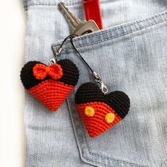 Mickey Mouse Heart Keyring Knitted Disney Minnie Mouse Key Chains Crochet Mickey Heart Bag Charm Mickey and Minnie mouse specially for Valentine's day ❤️🖤. Crochet Amigurumi, Crochet Dolls, Crochet Gifts, Cute Crochet, Hand Crochet, Crochet Mickey Mouse, Minnie Mouse, Crochet Disney, Crochet Keychain Pattern