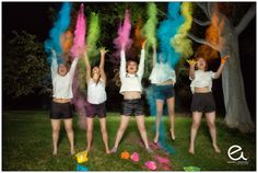 Fotografias de Xv en Guadalajara los Xv de Stephy Children Photography, Photography Poses, Amazing Race Party, Color Fight, Holi Party, Friendship Pictures, Vogue Photo, Foto Casual, Color Powder