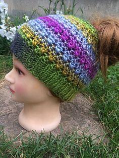 6a7f233ac178 Img_7168_small2 Ponytail Bun, Messy Bun, Knitted Hats, Messy Bun Updo, Knit  Hats