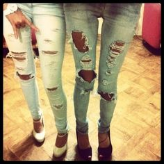 Skinny Love uploaded by Michaela on We Heart It Grunge Fashion, Love Fashion, Girl Fashion, Fashion Outfits, Womens Fashion, Hipster Fashion, Fashion Addict, Street Fashion, Holey Jeans