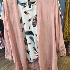 Feather / Knot / 2 Colors Sizes 1X-3X . . 1030-530 200 Bell Lane WM 318.884.7467 #thefleurtygingerboutique #northlouisianasplussizeheadquarters #shoplocal #shoptfgb