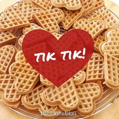 Her gün sizlerle olan waffle kalplerimizin hatırına, bi' çift beğeni tıkınızı alırız!