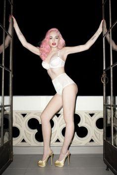 Lindsay Lohan pink...
