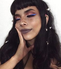 Liquid Eyeliner Looks. The Wing Eyeliner Creator down Eye Makeup For Red And Silver Dress Makeup Inspo, Makeup Tips, Beauty Makeup, Hair Beauty, Makeup Trends, Makeup Ideas, Makeup Tutorials, Beauty Trends, Beauty Hacks