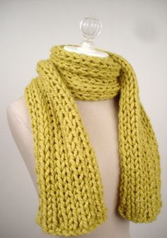 Super quick ribbed scarf knitting pattern... bring on the knitting season! Chunky Knit Scarves, Crochet Scarves, Knit Or Crochet, Easy Knitting Patterns, Knit Scarf Patterns, Easy Knitting Projects, Start Knitting, Knitting For Beginners, Free Knitting