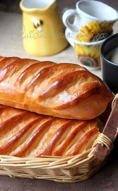 Pain viennois maison extra moelleux - Basic Homemade Bread Recipe - The healthiest bread to make? Cooking Bread, Cooking Chef, Cooking Recipes, Healthy Recipes, Cuisine Diverse, Bread And Pastries, Donuts, Food Porn, Brunch
