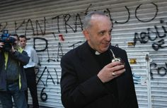 New Argentine Pope Francis drinks mate!