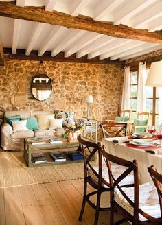 Cozy Mountain Family Holiday Gathering Cabin In Spain is an old house fraught with its own unique history, and history should be respected. feel the old house before reconstruction. Cottage Shabby Chic, Sweet Home, Stone Houses, Rustic Elegance, Home And Living, Rustic Decor, Living Spaces, House Design, Interior Design