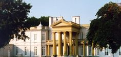 If you are looking for an intimate wedding venue in Hamilton, Ontario, Dundurn National Historic Site offers a unique setting. Great Places, Places To Go, Beautiful Places, Hamilton Ontario Canada, Tourism Website, Largest Countries, Travel Goals, Historic Homes, Historical Sites