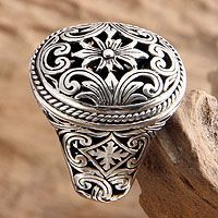 Sterling jasmine blooms amid forest shrubs in an ornate signet ring. By Kadek Hendra, this original design is superbly crafted by hand.