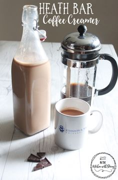 Make your own Heath Bar coffee creamer with these simple ingredients-homemade caramel, milk chocolate, and cream! Easy Coffee, Iced Coffee, Coffee Drinks, Homemade Coffee Creamer, Coffee Creamer Recipe, Fresco, Chocolate Shake, Chocolate Cream, Heath Bars