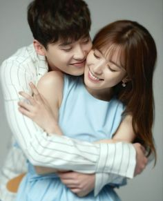 """After Song Joong-ki and Song Hye-kyo, """"W"""" drama's Han Hyo-joo and Lee Jong-suk are gaining popularity as an ideal pair for their angelic looks and charm. Drama Korea, W Korean Drama, Han Hyo Joo Lee Jong Suk, Lee Jung Suk, W Two Worlds Art, Between Two Worlds, Korean Actresses, Korean Actors, Actors & Actresses"""