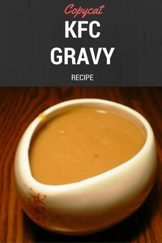 This Copycat KFC Style Gravy is the best thing that you can put on your favorite fried chicken. It tastes really good. Copykat Recipes, Sauce Recipes, Chicken Recipes, Cooking Recipes, Copycat Recipes Kfc, Crockpot Recipes, Dressings, Fast Food, Homemade Sauce
