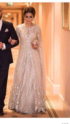 Walima Dress, Pakistani Formal Dresses, Pakistani Wedding Dresses, Pakistani Outfits, Indian Dresses, Indian Outfits, Shadi Dresses, Celebrity Fashion Outfits, Fashion Dresses